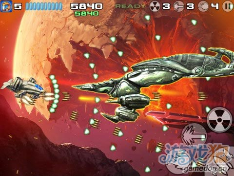 iOS飞行射击游戏推荐《星际战机:杀戮之战》