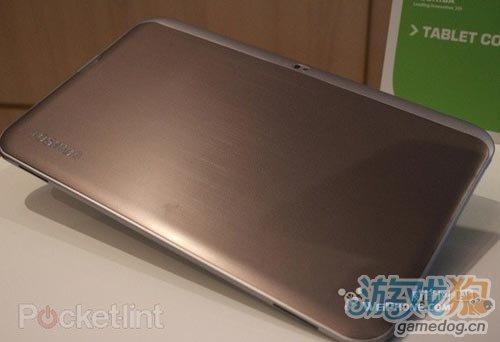 巨屏怪兽!东芝展示首款超大13.3英寸平板电脑