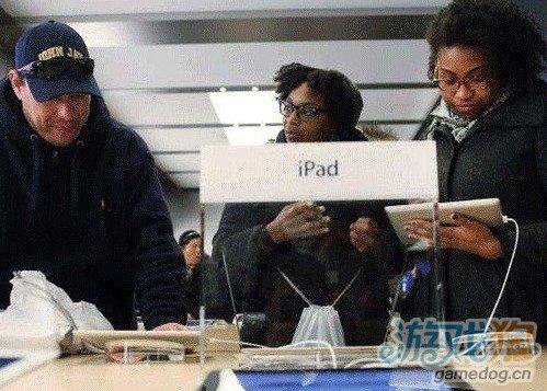 苹果称iPhone/iPad充满电后应继续充电