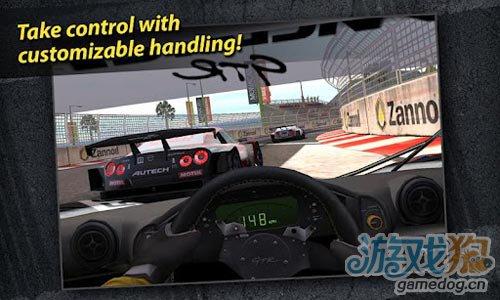 《真实赛车2》(Real Racing 2)游戏画面