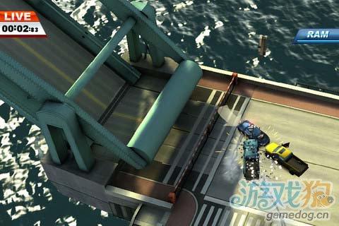 野蛮竞速游戏:亡命威龙 Smash Cops游戏更新评测2