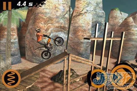 挑战你的操作极限:极限摩托2 让你疯狂的游戏难度2