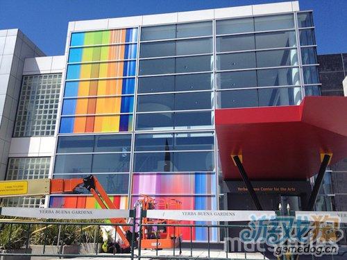 苹果发布会现场布置暗示将推彩色版iPhone5