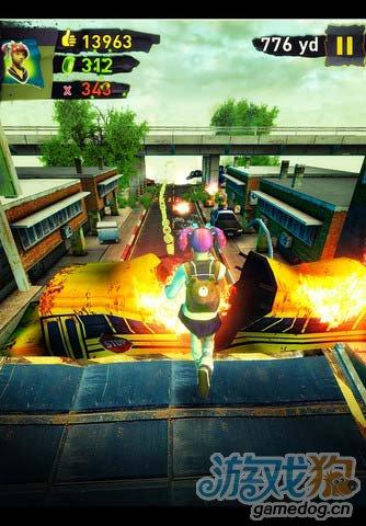 动作游戏:末日狂奔 紧张刺激的跑酷逃离危险地带4