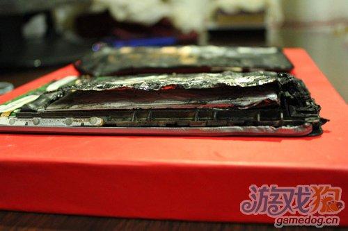 全球首例Nexus 7充电过程中电池自燃