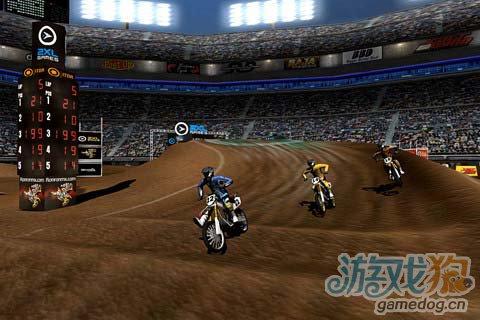 竞速游戏:疯狂越野赛 给你速度感十足的刺激体验1