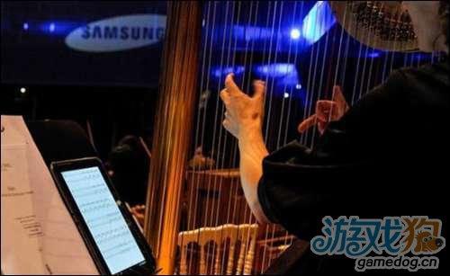 三星赠乐队Galaxy Note 10.1安卓平板当乐谱