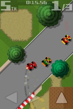 限免推荐:复古赛车Retro Racing 麻雀虽小五脏俱全3