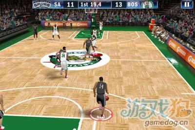 NBA 2K13:手机上最好5的篮球游戏