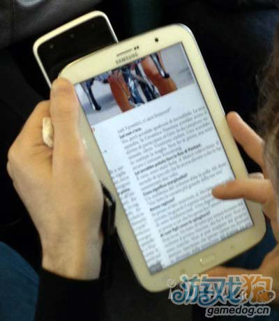 三星GALAXY Note 8.0真机曝光 挑战iPad mini2