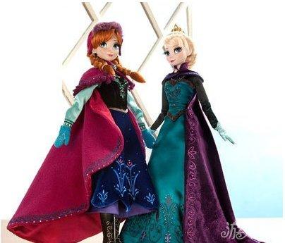《冰雪奇缘》限量版玩偶发售 安娜艾莎带回家