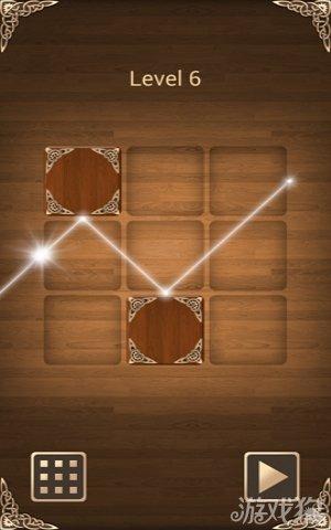 和游戏光明之神相类似——游戏光线反射,将光线的反射表达发挥得格外的淋漓尽致。一台反射镜镶边的镜边盒
