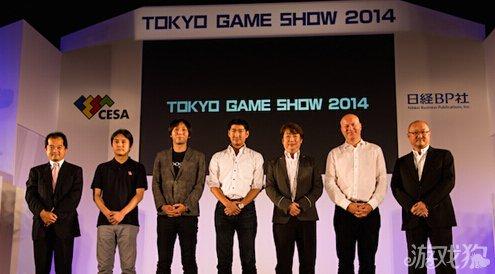 左起:浅见直树(日经BP社)、高桥英士(Alim)、马场功淳(COLOPL)、里见治纪(SEGA)、浅沼诚(BNGI)、Alex Dale(King)、鹈之泽伸(CESA)