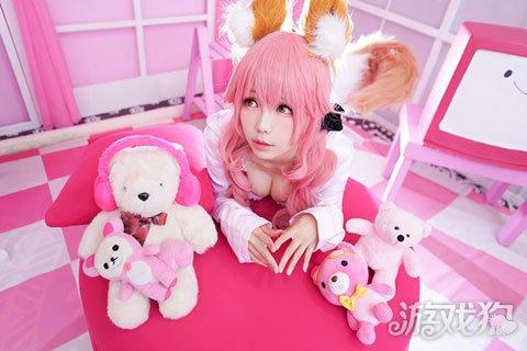 fate玉藻前私服cos出境 少女小玉粉红色的房间