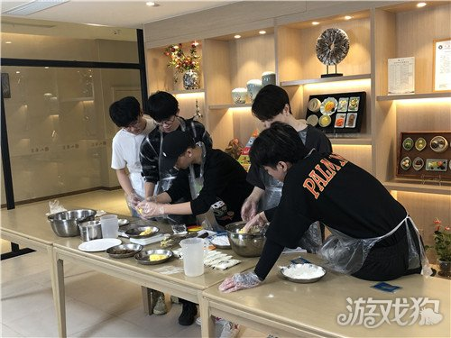 OMG队员重阳节探访颐养院老人 陪伴虽短却暖人心